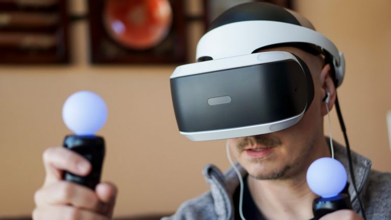 Here's How to Use PSVR With Glasses