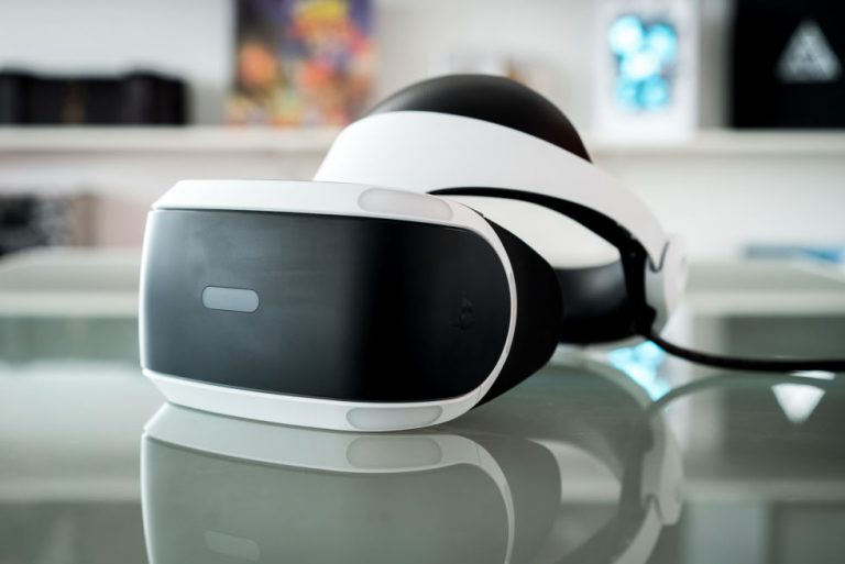 3 Reasons Why You Should Buy PSVR and Not Oculus Rift