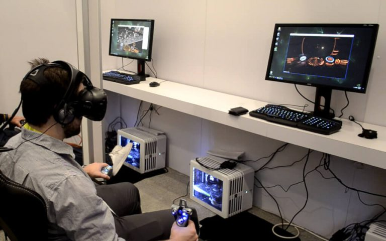 Top 8 Seated VR Games & Experiences