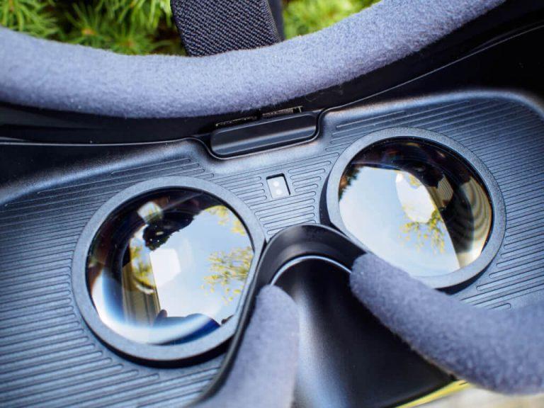 Top Anti-Fog Sprays for VR Lenses